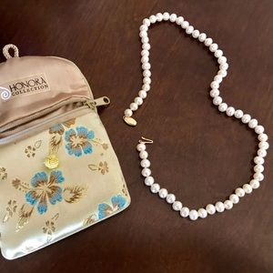 Honora Pearl necklace strand authentic. 16 inches